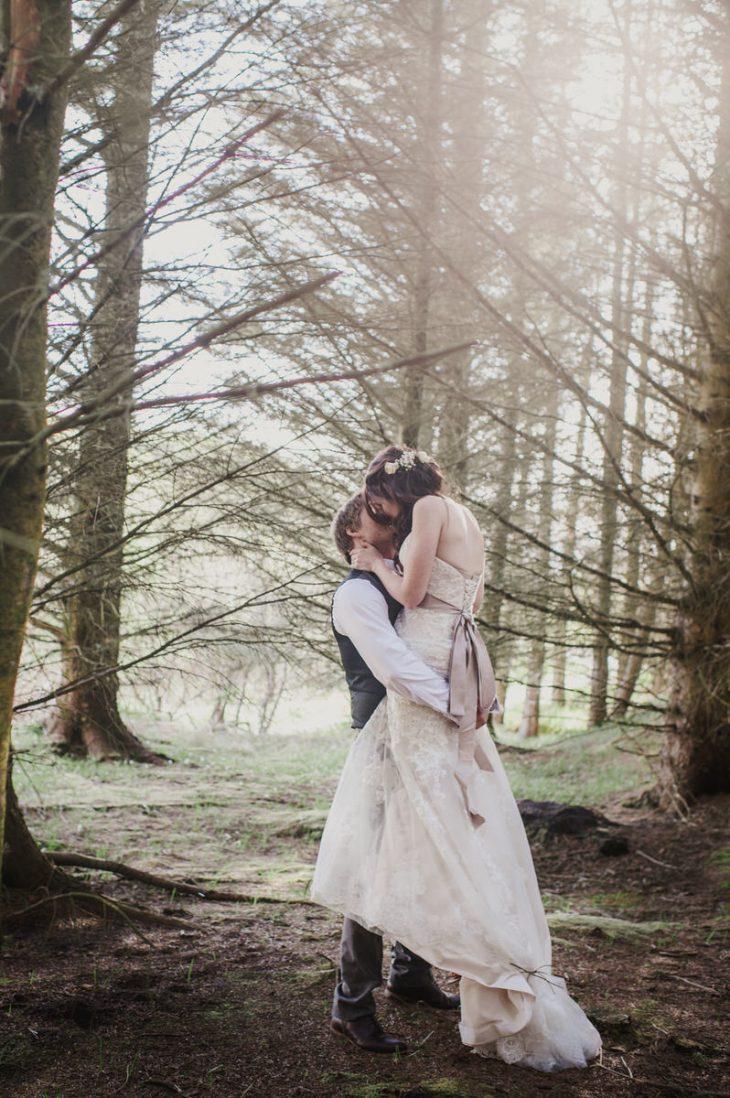 WOODLAND WEDDING CEREMONY PHOTOGRAPHER