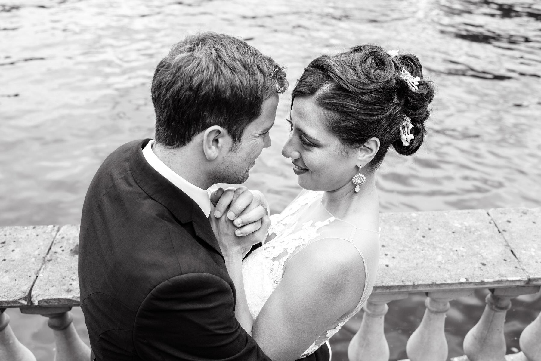 Ravens Ait wedding bride and groom