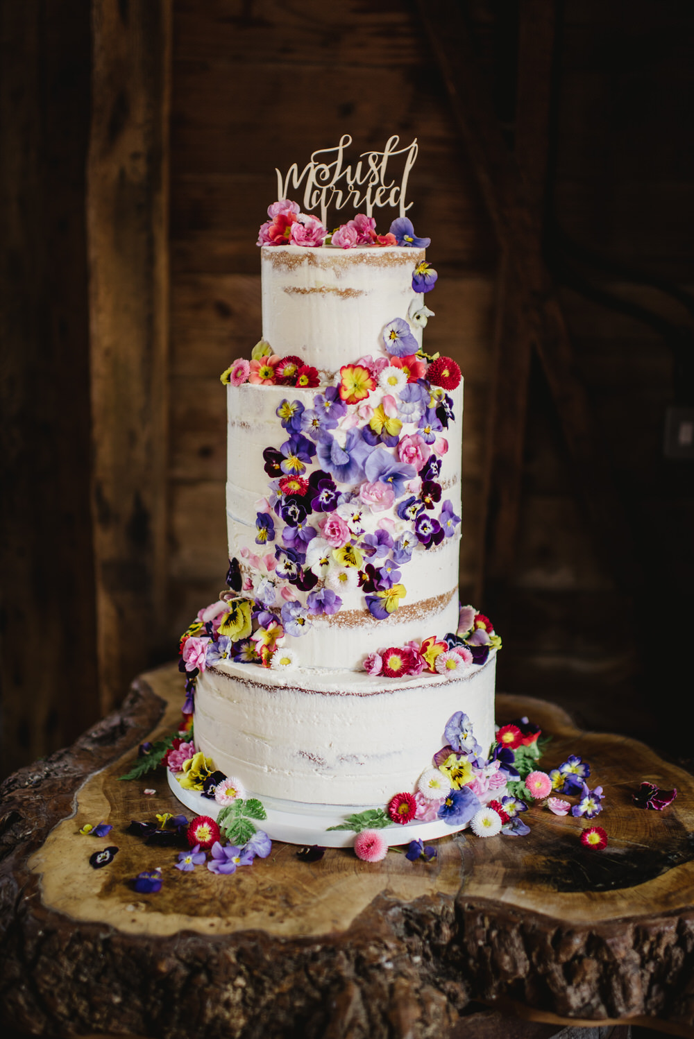 Herons Farm Barn wedding cake